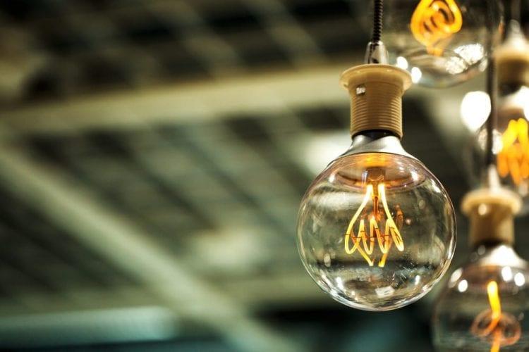 precio kWh holaluz